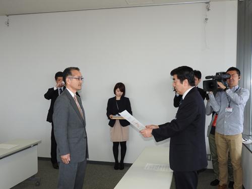 指定証交付(柔道男子 秋田工業高校長)