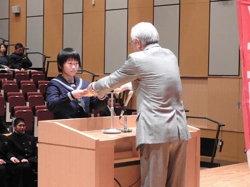 指定証交付 柔道競技代表 松本唯選手(角館中学校2年)